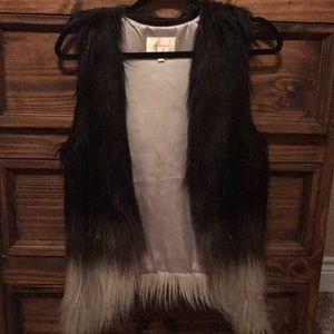 Black ombré faux fur vest